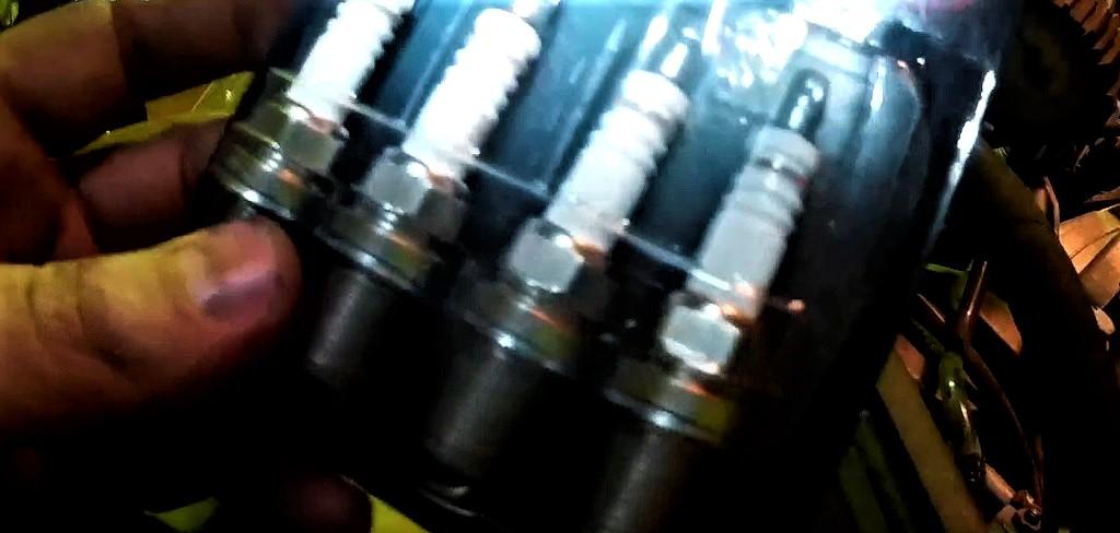 Замена свечей зажигания