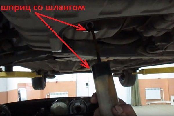 Как поменять масло в двигателе на Хендай Акцент