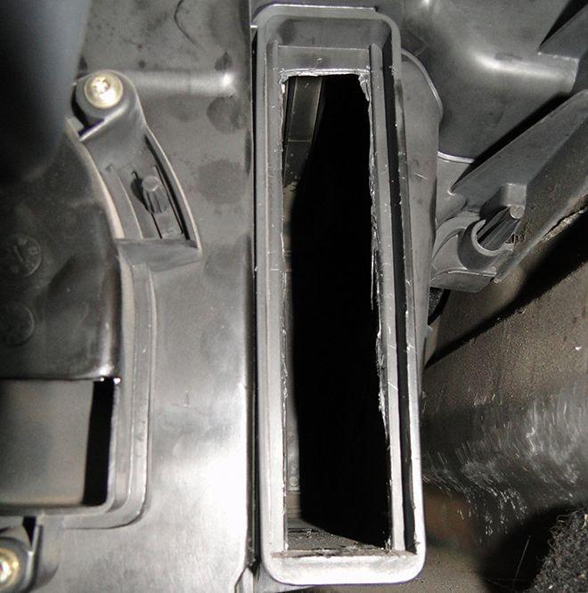 Как заменить салонный фильтр на Рено Логан 1