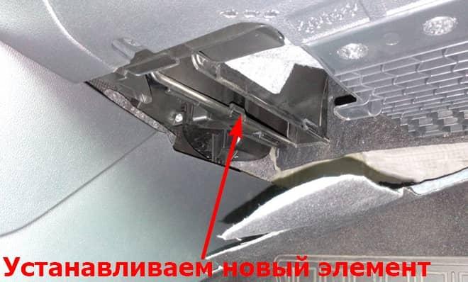 Как заменить салонный фильтр на Фольксваген Поло Седан 5 Мк5